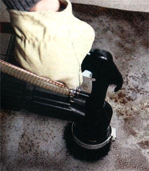 Очистка поверхности от ржавчины при помощи пескоструйного аппарата СОРОКИНСТРУМЕНТ® мод.10.11
